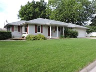 922 W Court Avenue Winterset IA, 50273