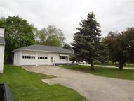 895 Lincoln Ave Marengo IA, 52301
