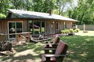 252 N Riverview Mountain View AR, 72560