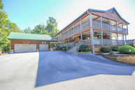 3727 Harris Mountain Way Sevierville TN, 37876