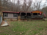 101 Mad Dog Lane Wayne WV, 25570