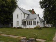 64 3rd St New London OH, 44851
