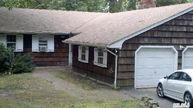 9 Greenway Dr Middle Island NY, 11953