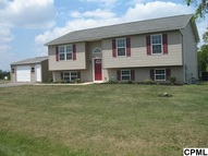 102 Walleye Dr Gap PA, 17527