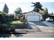 3626 Ne Simpson St Portland OR, 97211