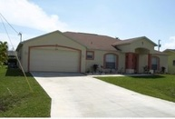 1436 Se 35th St Cape Coral FL, 33904