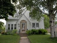 712 N 4th St Manitowoc WI, 54220