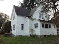 8570 Bachman Dr Gladstone OR, 97027