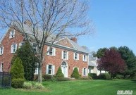30 Fort Hill Dr Huntington NY, 11743