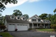 8 Belle Harbor Ct Center Moriches NY, 11934
