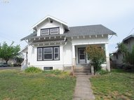 913 Union The Dalles OR, 97058