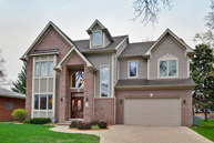 207 South Bobby Lane Mount Prospect IL, 60056