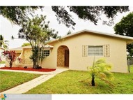 336 Lake Dr Coconut Creek FL, 33066
