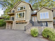 5376 Se Bluerock Ct Milwaukie OR, 97267