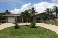 1729 Everest Pkwy Cape Coral FL, 33904