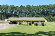 208 Pineview Dr. Laurel MS, 39440