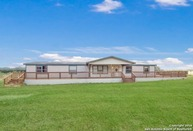 200 S Hill Dr Lytle TX, 78052