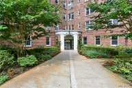 72-61 113th St 5d Forest Hills NY, 11375