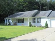 622 Oriole Dr Roaming Shores OH, 44084