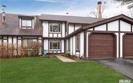 58 Crystal Rock Ct Middle Island NY, 11953