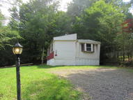 122 Granite Dr Greentown PA, 18426