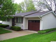 2422 Gordon Dubuque IA, 52001