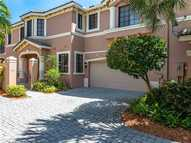 2812 Center Court Dr 1-29 Weston FL, 33332
