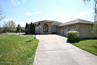 5303 Meadow Stream Way Crestwood KY, 40014