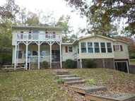 130 Lake Court New London NC, 28127