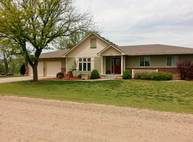 514 E 33rd St S Wellington KS, 67152