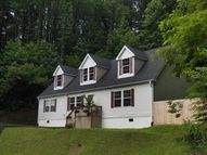 221 Cool Water Creek Hickory NC, 28601