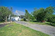 15 Creekside Dr Middle Island NY, 11953