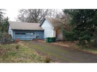 555 Sw Meadow Dr Beaverton OR, 97006