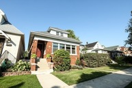 5012 North Kenneth Avenue Chicago IL, 60630