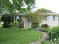 302 Hillcrest Decorah IA, 52101