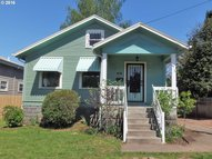 4515 E Burnside St Portland OR, 97215