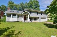 153 Bengeyfield Dr East Williston NY, 11596