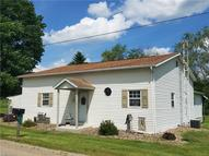 11067 Wolf Station Rd Newcomerstown OH, 43832