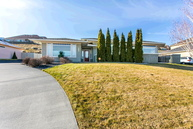 1677 Meadow Hills Dr Richland WA, 99352