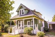 136 N 3rd St Jefferson OR, 97352