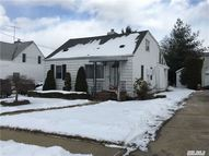 40 Clyde St New Hyde Park NY, 11040