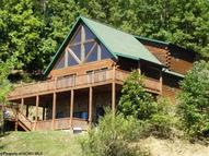 717 Lakeview Drive Horner WV, 26372