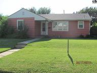 701 W 21st Ave Hutchinson KS, 67502