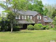15 Meadow Woods Rd Great Neck NY, 11020
