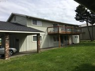 1334 Hawthorne Ave Reedsport OR, 97467
