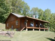 844 Camp Run Road West Union WV, 26456