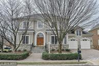7435 Old Maple Square Mclean VA, 22102