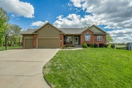 4914 N Hedgerow Ct Bel Aire KS, 67220