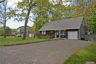 59 Cynthia Ln Center Moriches NY, 11934