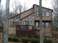 1114 Underhill Ct Tamiment PA, 18371